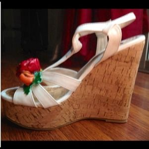 Too Lips Shoes - NIB!!! Too Lips Rose Adorned Wedges ~ Sz 7.5