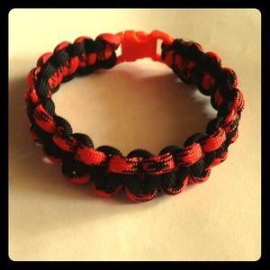 Jewelry - Cobra paracord Bracelet. Customizable!
