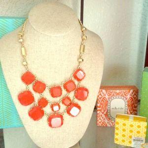 Beautiful Stella and dot Olivia Bib necklace