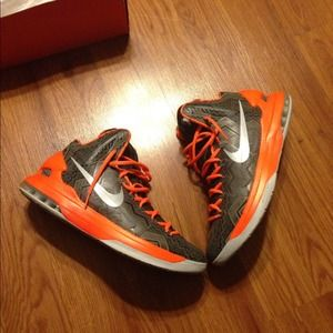 44 nike shoes black history month edition kds