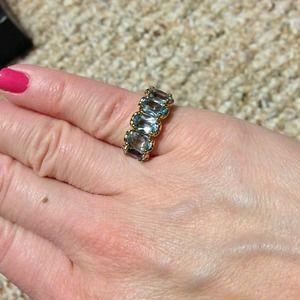 Jewelry - Light blue stone ring