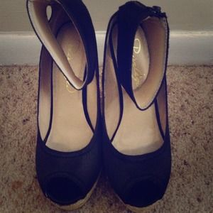Cute black wedges with strap!