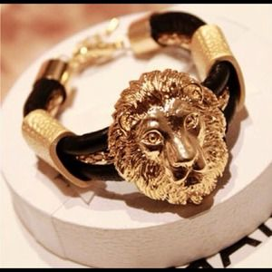 Jewelry - Lion face bracelet