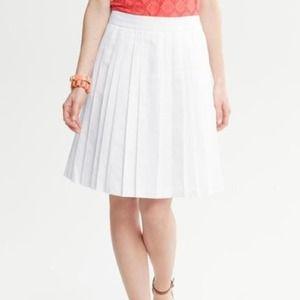 Banana Republic Pleated Skirt - White