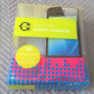 c wonder  Accessories - ‼️ $5 SALE ‼️ C Wonder iPhone Speaker