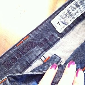 Rocks & Indigo Jeans - Distressed denim shorts