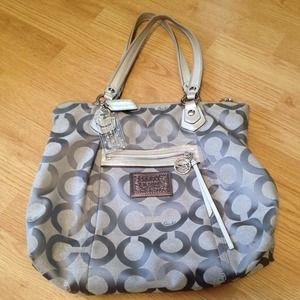 ⬇️reduced⬇️  Authentic Coach Poppy Bag 