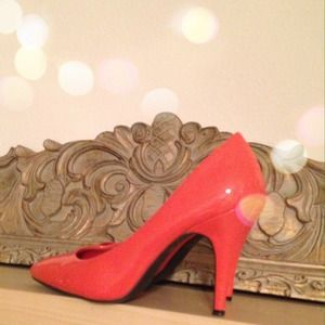 Fioni Shoes - Coral Patent Pumps