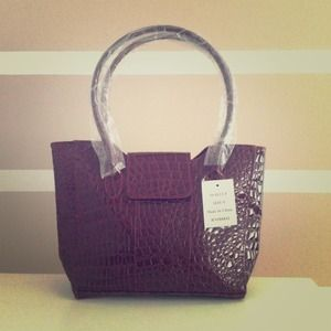 💢SOLD💢Gorgeous faux alligator skin hand bag ❤NWT