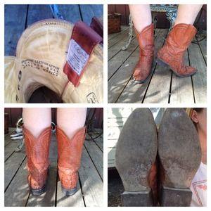 8eca2ee0b042f Vintage Mexican Alligator Embossed Cowboy Boots