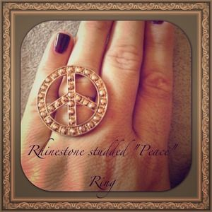 Jewelry - Old Gold Looking Peace Ring
