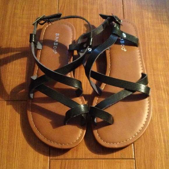 50a379293d Bamboo Shoes | Black Criss Cross Strappy Toe Loop Flat Sandals 6 ...