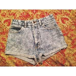 🚫Sold🚫Acid wash high waisted shorts