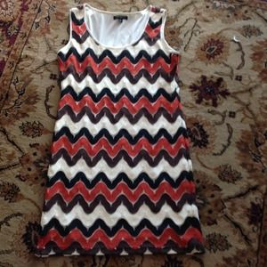 Dresses & Skirts - Sharagano Dress.