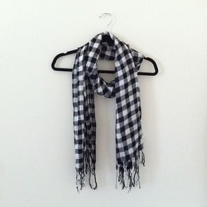 American Eagle Aerie Plaid Scarf