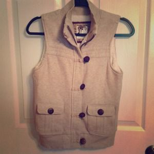 NWOT Tan sweater vest
