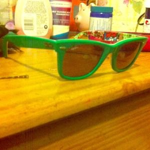 Limited edition ray bans(wayfarer)
