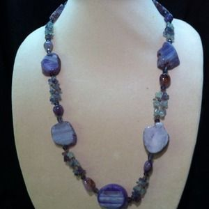 Jewelry - Necklace with earrings
