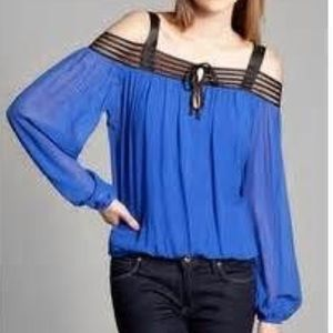 Guess by Marciano  Tops - ✨Gorgeous Marciano off the shoulder Blue Blouse