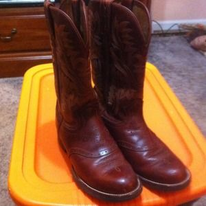 Justin Shoes - **SOLD** Gorgeous chestnut Justin Boots