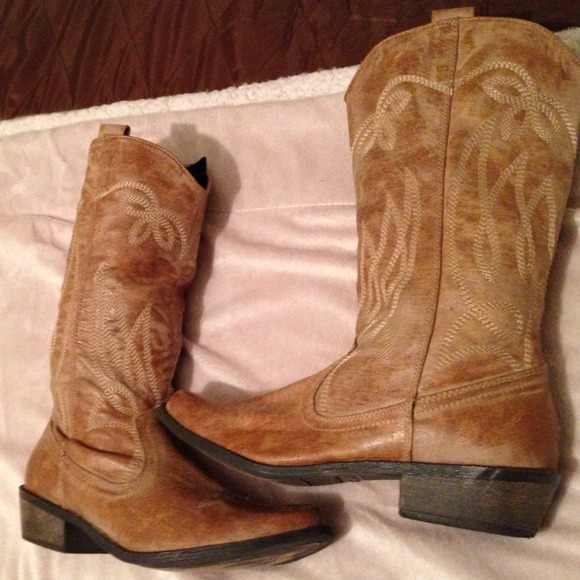 33% off Boots - Light brown cowgirl boots from Emily's closet on ...