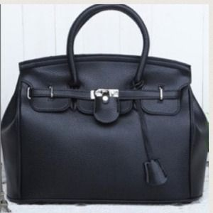 Handbags - TODAY ONLY🎀 Black Lock & Key Trendy Bag