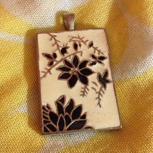 Jewelry - Vintage charm