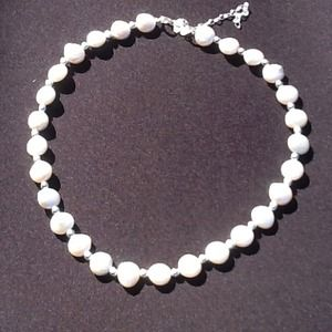 Jewelry - Gorgeous pearl necklace