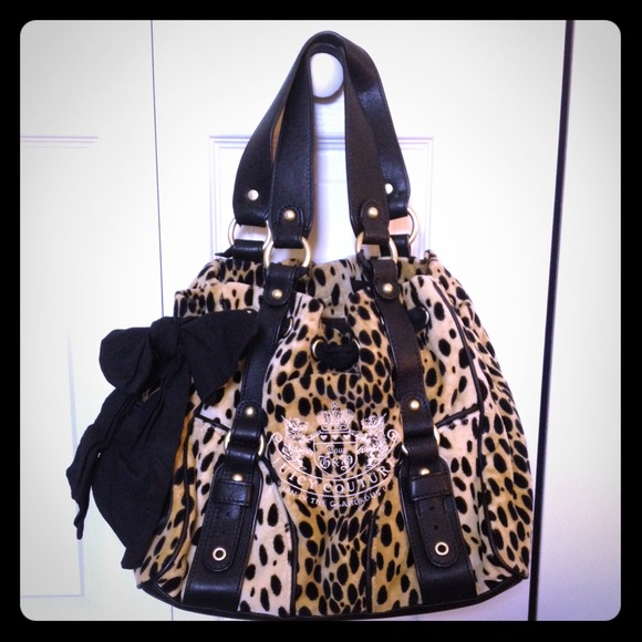 Juicy Couture Handbags - Juicy Couture leopard Daydreamer Bag 74397711f790