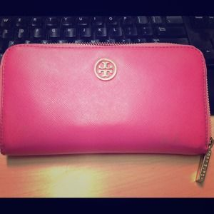 Tory Burch Zip Continental Wallet in pink