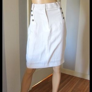 "Zara white skirt length 23"" ; waist 32-33"""