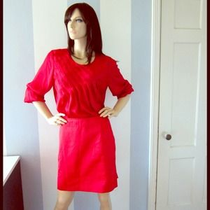 Red skirt with wide pleats