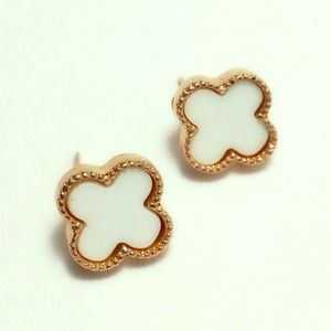 Clover rose gold earrings