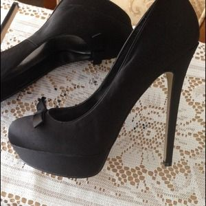 shoedazzle Shoes - Black Stilettos