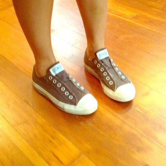 927ae04c9e9ae2 Converse Shoes - Brown Converse no lace sneakers