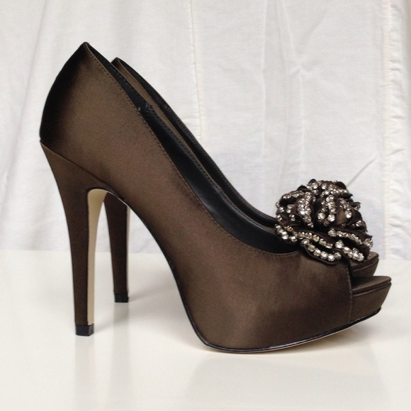 Steve Madden Shoes - Steve Madden Luxe || CROWN Heel 2