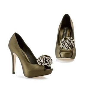 Steve Madden Shoes - SALE! STEVE MADDEN Luxe Crown Peep Toes 3