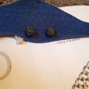 Bundle: Pave stud earrings & loft sweater