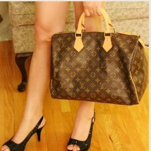 Reserved! % Authentic Louis Vuitton Speedy 35
