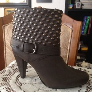 BUCCO Boots - Studded Booties