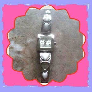 REDUCED Cute white heart shaped stone watch