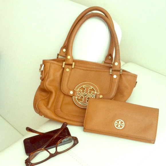 SOLD! Auth Tory Burch Bag +Wallet