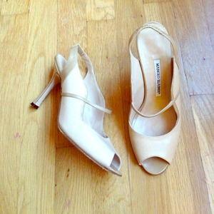REDUCED Gorgeous beige Manolo Blahnik