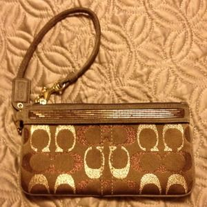 Coach Wristlet Great Fall Colors