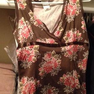 Old Navy Tops - Pretty chocolate top/pink floral /dainty details!