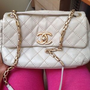 REDUCED PRICE!!Beige Chanel bag with gold hardware