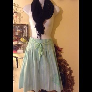 Old Navy size 8 skirt