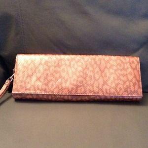 LULU Clutch purse w/hand strap