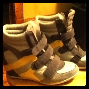 ******Wedge sneakers****