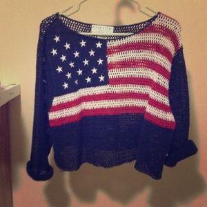 Sweaters - Cropped USA knit sweater